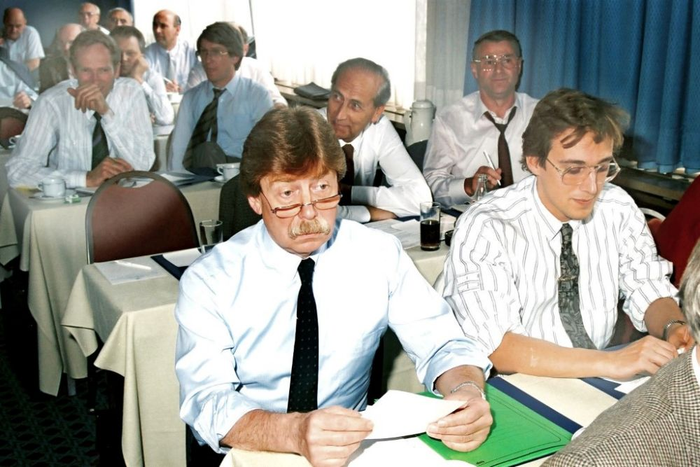 1. Reihe: Wolfgang Jakubek, Andreas Schlegel, 2. Reihe: Dr. Friedrich F. Steuer, Alfred Burger, 3. Reihe: Rolf Tworek, Hartmut Winkler, 1988.jpg