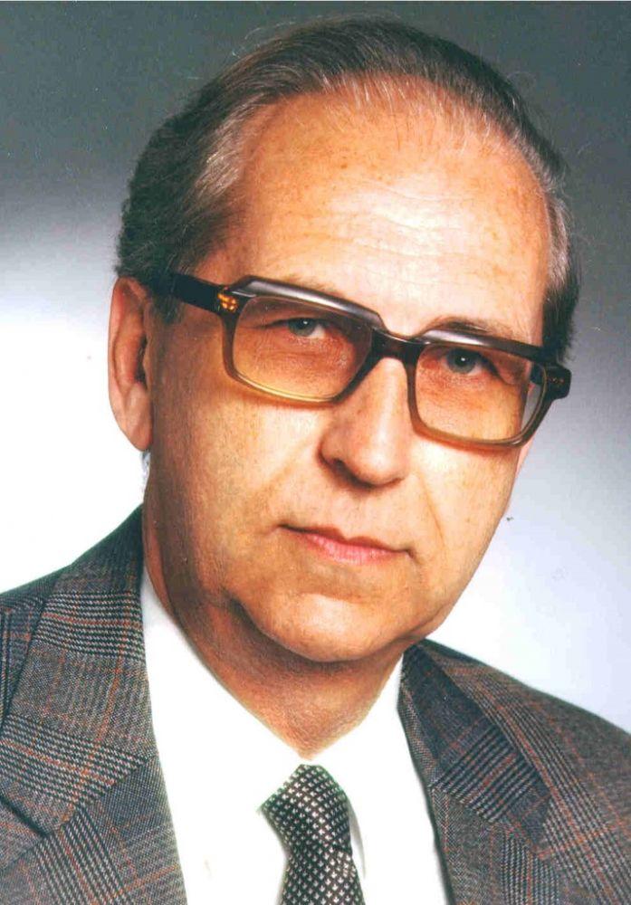 Dr. Friedrich F. Steuer, ca. 1990.jpg