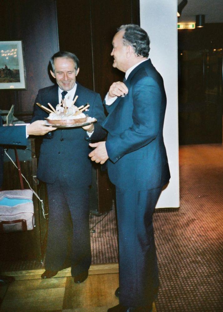 Juergen Ehrlich (APHV), Dr. Arno Debo, Mai 1990.JPG