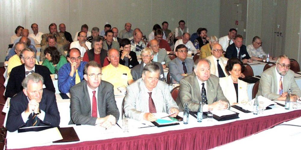 Mitgliederversammlung 2000.jpg