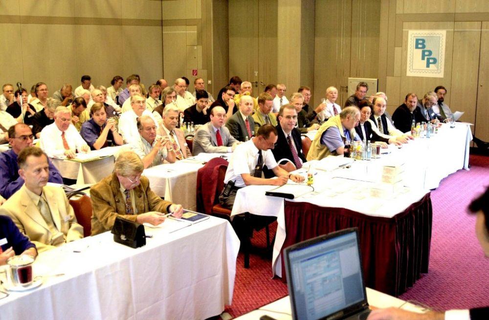 Mitgliederversammlung 2001.jpg