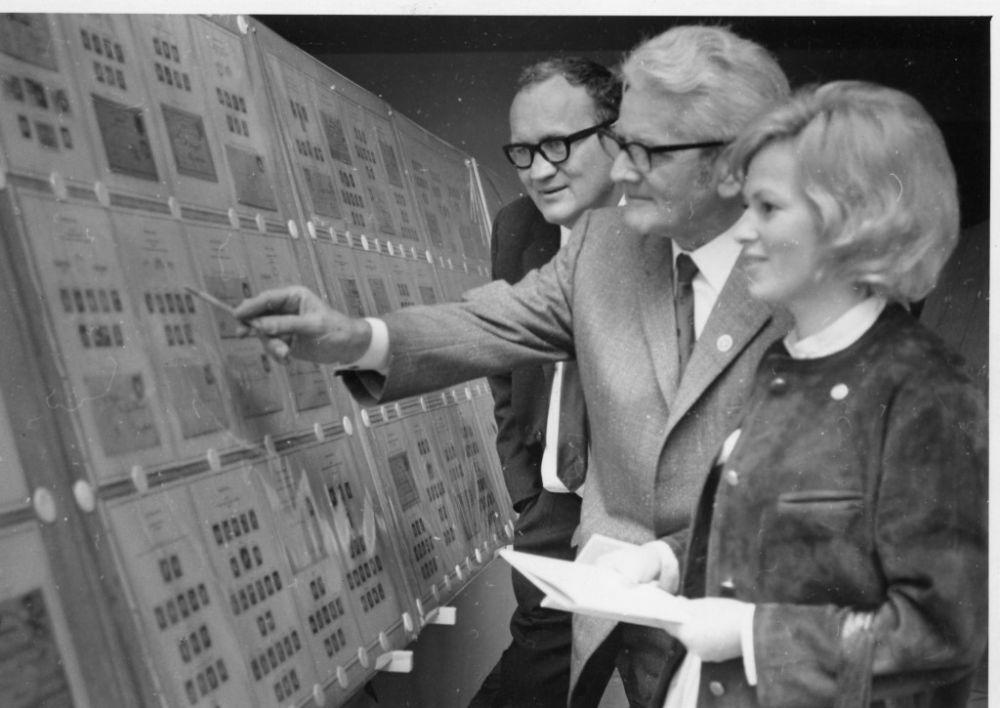 von links: Dr. Arno Debo, Franz Pfenninger, Maria Brettl, 1972.jpg