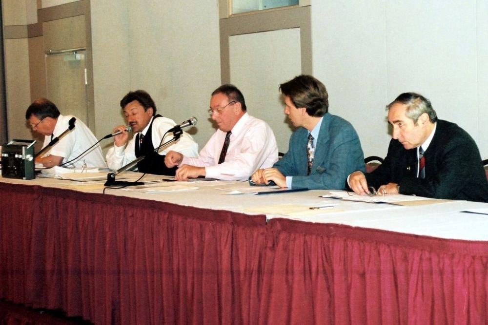 von links: Dr. Hans-Karl Penning, Dr. Helmut Oechsner, Guenter Bechtold, Hans-Dieter Schlegel, Dr. Fritz Modry, Vorstand 1997.jpg