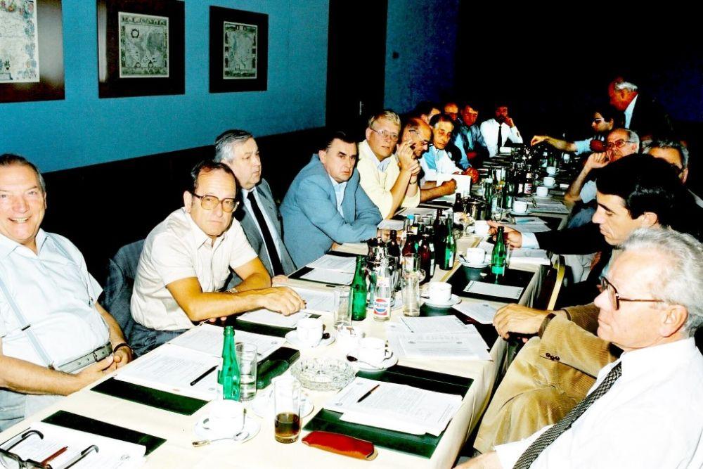 von links: Max Mahr, Ulrich Czimek, Hanns Zierer, Gerhard Krischke, Juergen Kastaun, 1986.jpg