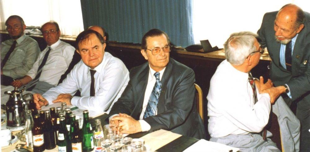 von links: Wilhelm Kreft, Erich Sauer, Gustav Mogler (verdeckt), Emil Ludin, Werner Liniger, Emil Rellstab, Emil W. Mewes (BDPh), 1986.jpg