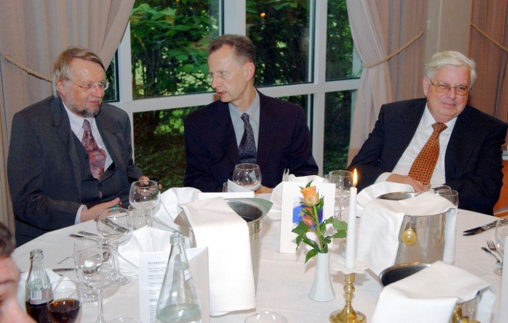 von links: Wolfgang Straub, Florian Berger, Jochen Stenzke (Schwaneberger Verlag), 2005.JPG
